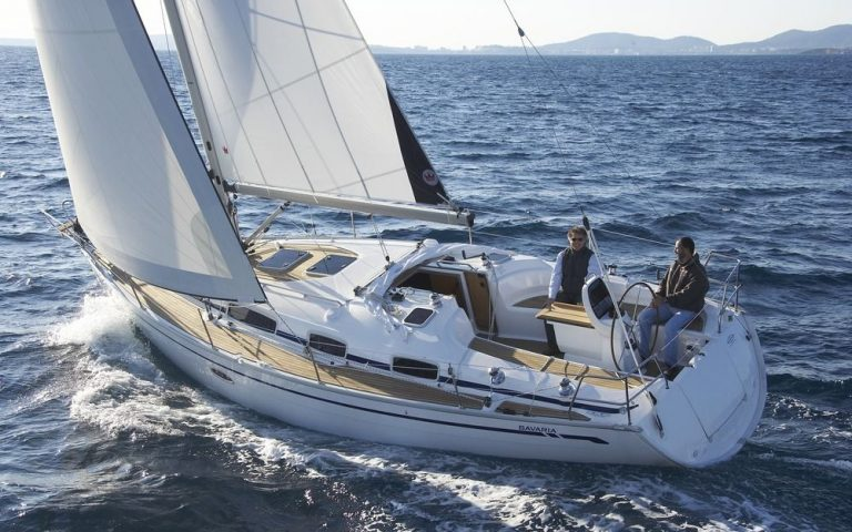 full_size_bavaria38cruiser_sail_boat_rent_charter_in_greece_sailing2